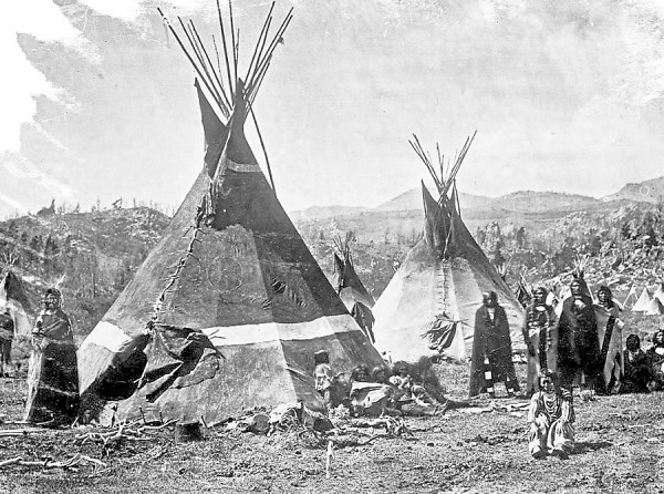 Shoshone-Indians-and-skin-teepees_FINAL-600x446