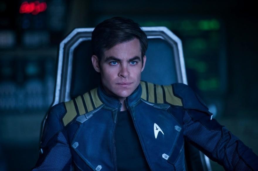 7784147744_chris-pine-alias-le-capitaine-kirk-dans-star-trek-sans-limites