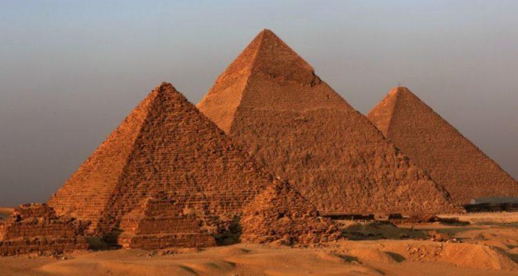 pyramides-alignement-750x400.jpg