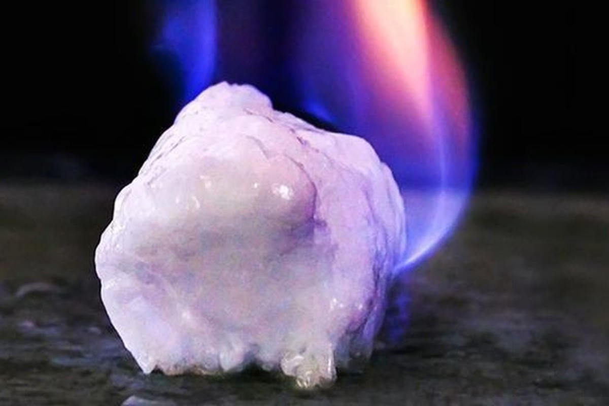 will-extracting-the-worlds-most-abundant-fossil-fuel-release-the-methane-monster-1200x800_c