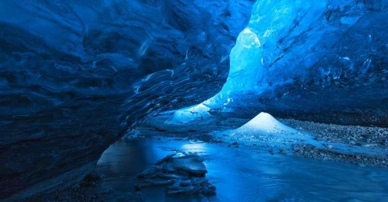 7e080c8439_112555_grotte-antarctique-vie