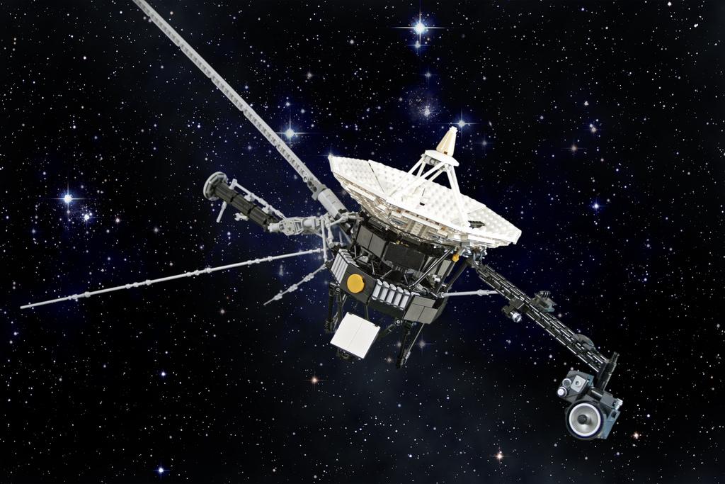 Voyager-2-Spacecraft-has-Officially-Entered-Interstellar-Space