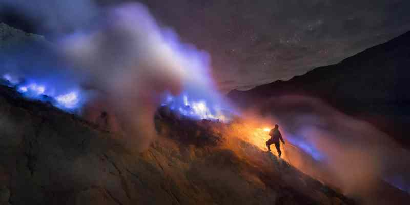 blue-fires-ijen-java