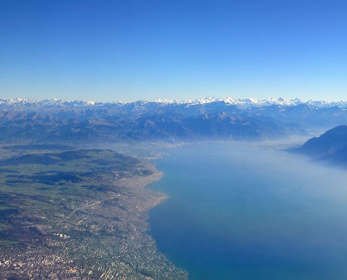 687px-2011-11-17_13-35-19_Switzerland_Canton_de_Vaud_Ecublens2