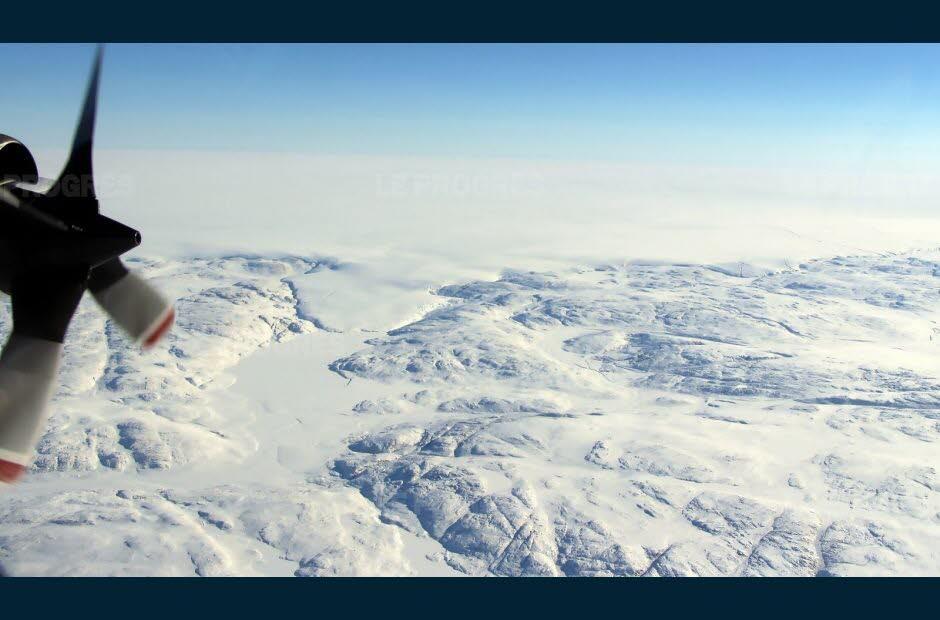 des-avions-americains-et-allemands-capables-de-voir-a-travers-la-glace-ont-survole-a-trois-reprises-la-region-photo-afp-nasa-john-sonntag-1542300118