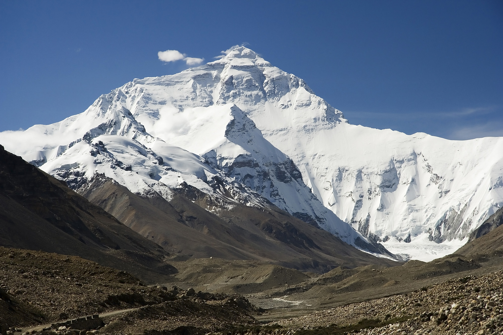 Everest_North_Face_toward_Base_Camp_Tibet_Luca_Galuzzi_2006_edit_1.jpg
