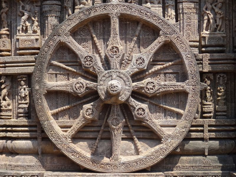1280px-Konark_Sun_Temple_Wheel